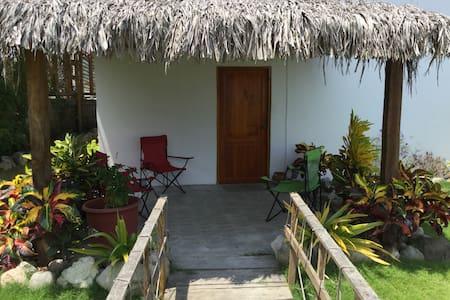 Olon beach house-Casa Valdivia:) - Olon - House