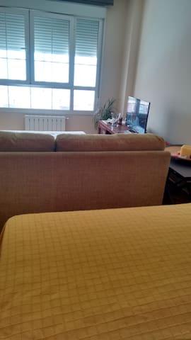 Sofá bed with extra bed near the Wanda stadium