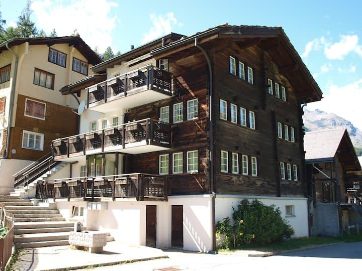 z`Romansch Hüüs: romantische Dachwohnung
