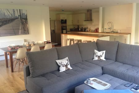 Double bedrooms available - Casa