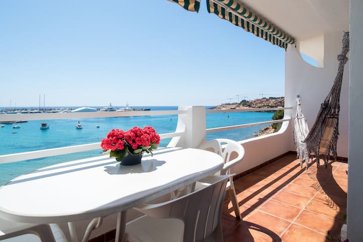 Sea view Apartment with terrace @Port Adriano WiFi