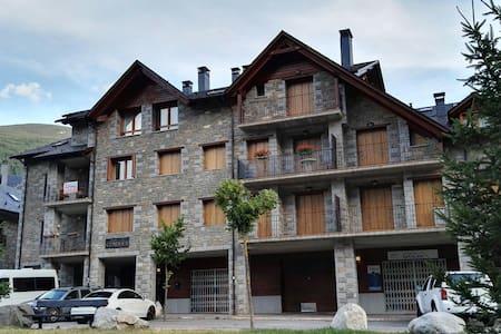Acogedor Apartamento en el Valle de Benasque. - Linsoles
