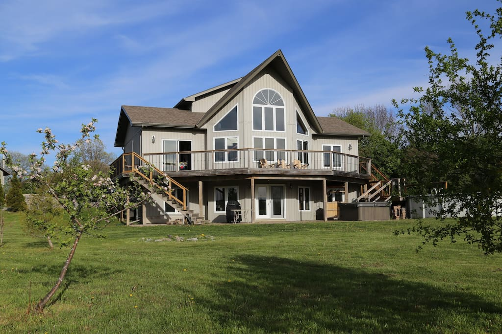 "A modern ""County Creek House"" in PEC - Chalets for Rent in ... - photo#36"