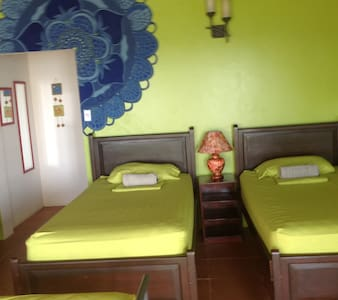 "Quadruple Room on the Beach ""Fido"" - Manta - Dorm"