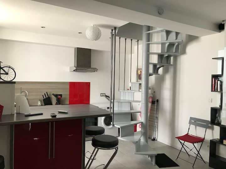 Auxerre Centre Ville : Petite Maison en Duplex