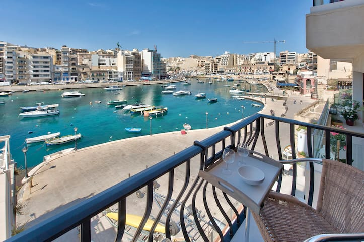 Sea view modern one bedroom apartment St Julians