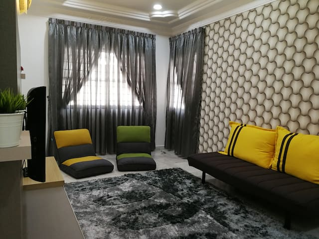 Vivid Homestay @ Locate In Town