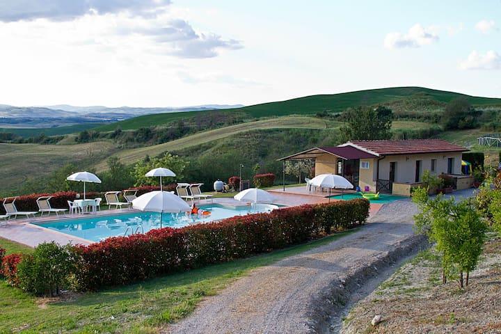 """""""Il Sole"""" appartamento bilocale con piscina"""