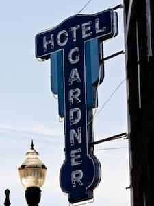Gardner Hotel & Hostel - เอลปาโซ - หอพัก
