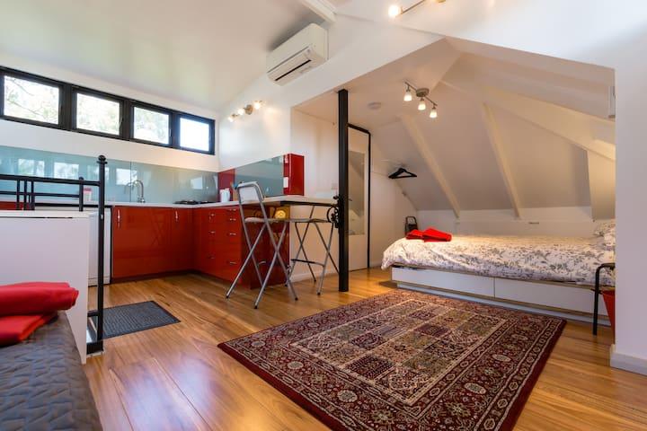 Studio apartment in Mount Hawthorn