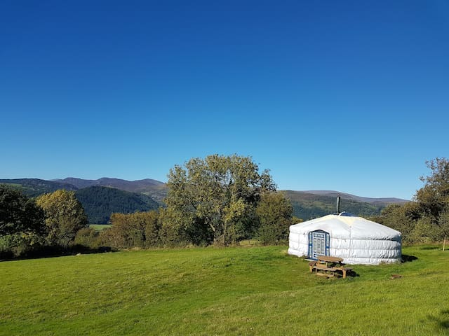Yurt Ariana with hot tub, Snowdonia, North Wales.