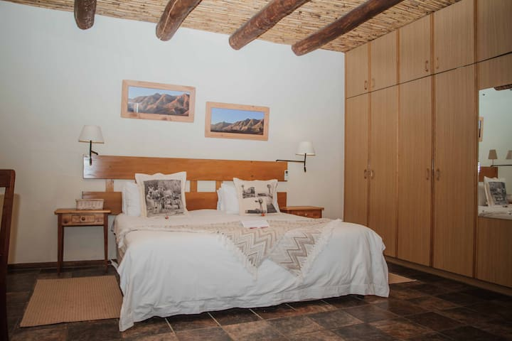 Comfortable room with beautiful mountain view - Swellendam - Bed & Breakfast