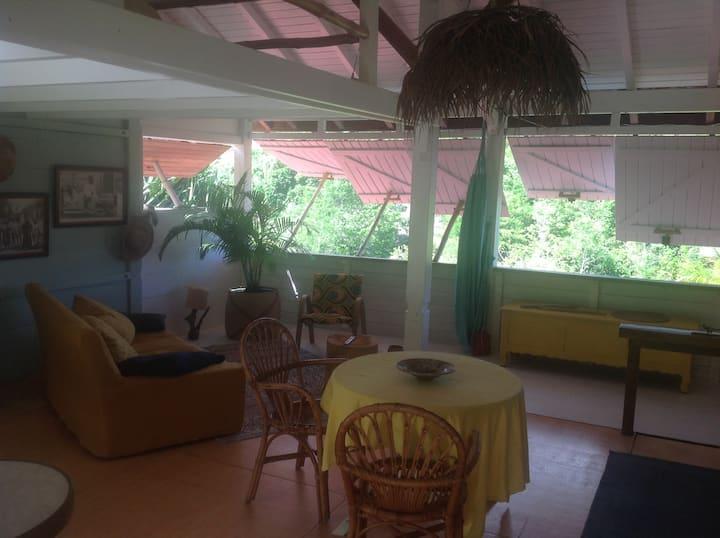 Appartement terrasse  à 10 mn des plages
