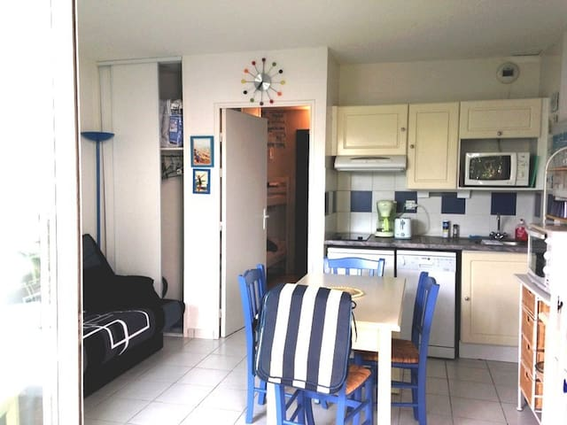 Appartement en RdC dans résidence avec piscine - Fouras - Departamento