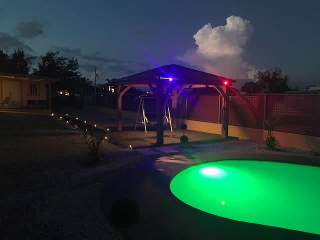 Casa con piscina para vacacional en cabo rojo