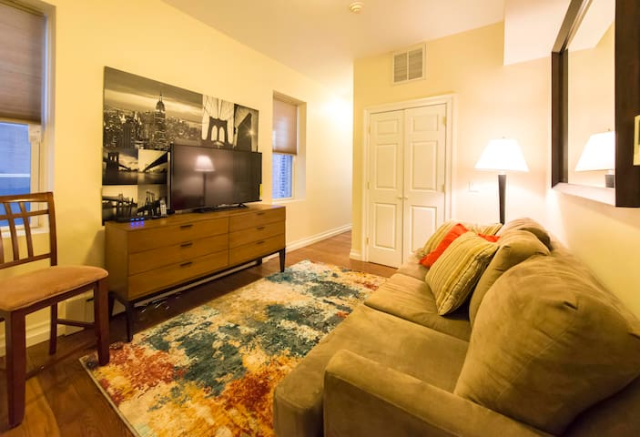 #2 Affordable Luxury 3BR Apt Mins to NYC Time SQ