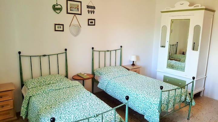 Shabby chic Bedroom in Charming villa- St.Julians