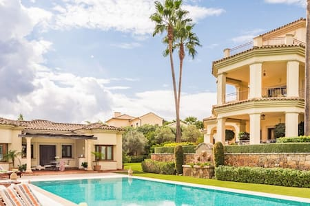 Villa Margarita in Sotogrande - San Roque