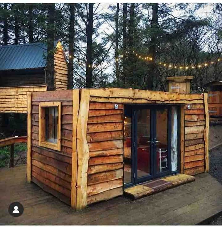 Cabin In woods | Sauna & Hot tub included