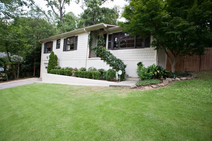 Private Bungalow Homewood Area
