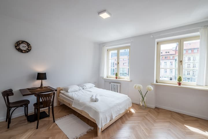 Double room in the middle of the town 3