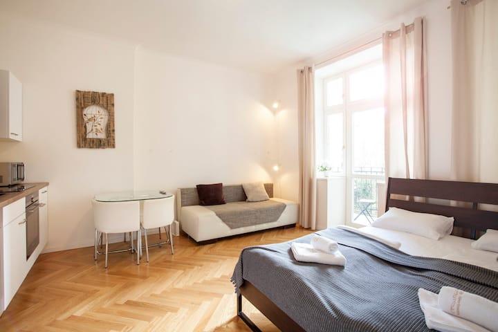 Friendly apartments in Prague + Balcony #12