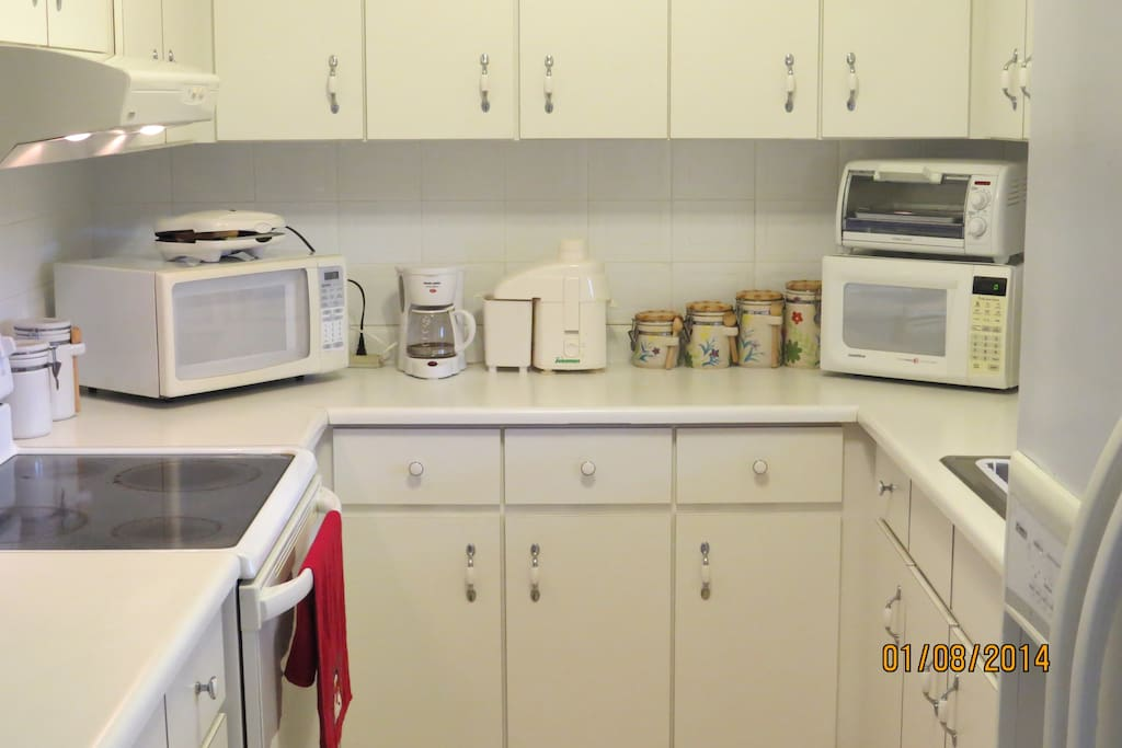 Fully equipped  Kitchen for Moms and Dads to cook for there kids as they wish!