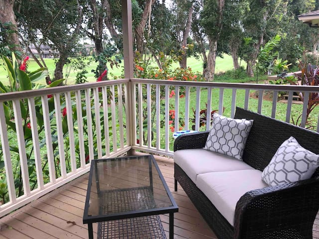 Princeville Condo on Golf Course w/ Full Kitchen