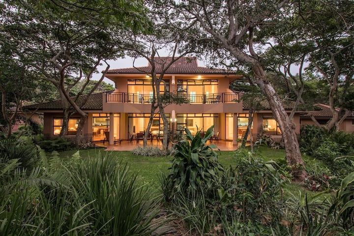 Zimbali 8 Sawubona - Spacious for 5 guests