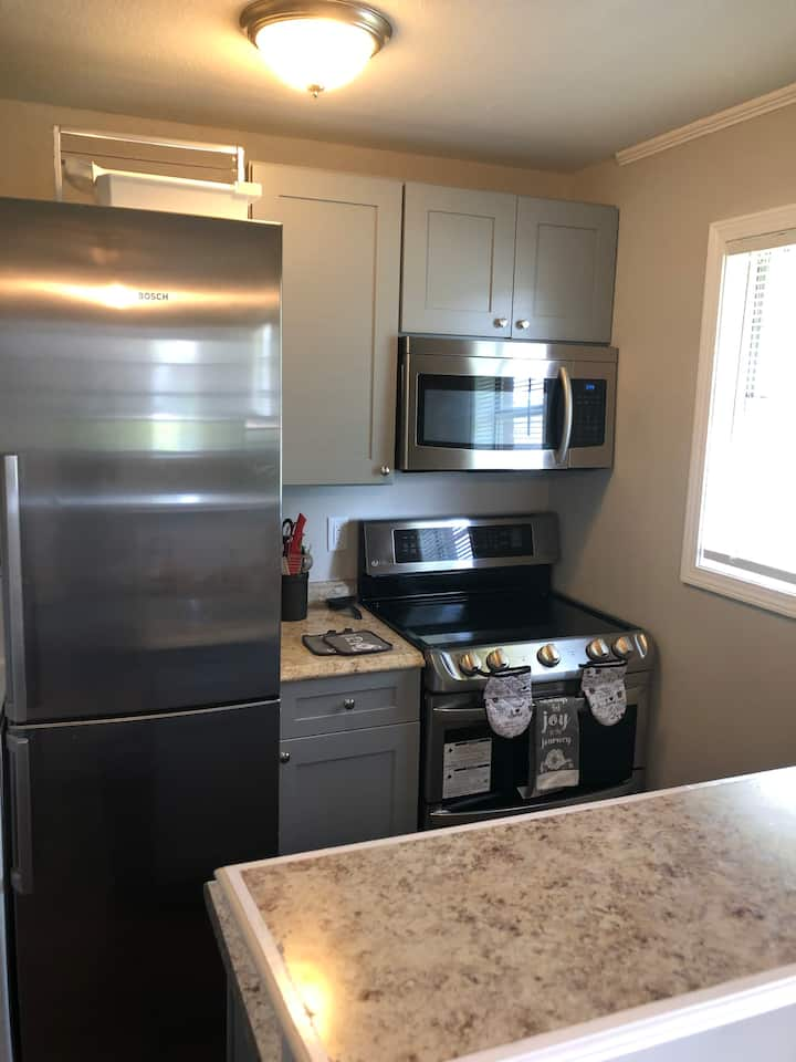 Quiet Downtown Apt A-w/Washer&Dryer Near Hospitals