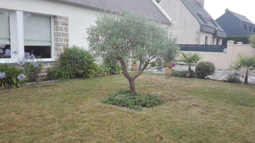Le petit bout de jardin que vous pourrez occuper à votre convenance.