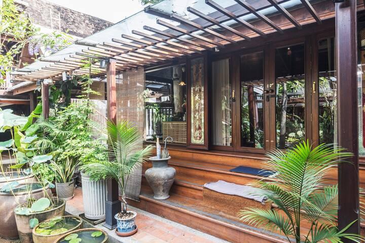 Peaceful Thai Home 3 BR/Free Breakfast&Pickup/WIFI