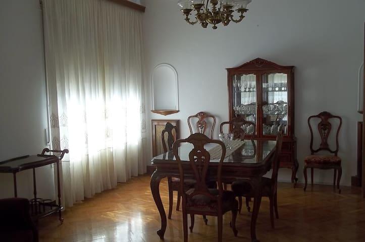 """Apartament estil """"velvet"""" en el centre històric - Tremp - Társasház"""
