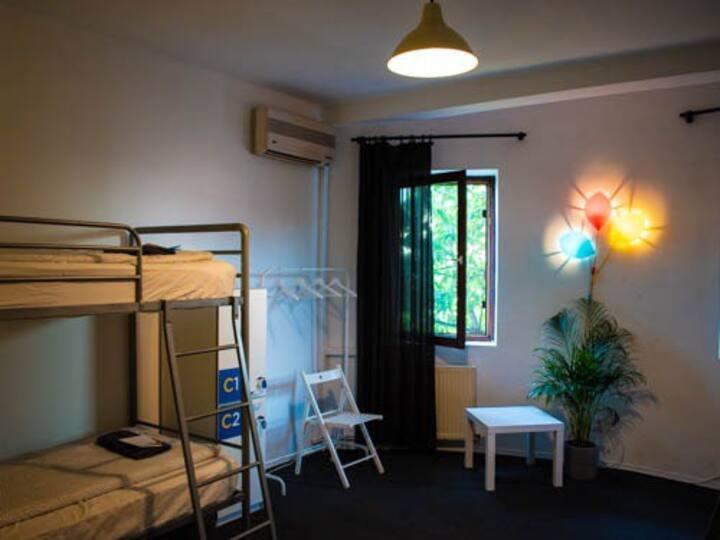 Popcorn Hostel Bucharest -bed in Dorm C -ladies