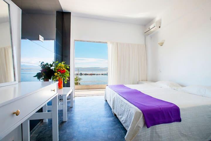 Porto Evia Boutique seafront - Αμάρυνθος - Apartment