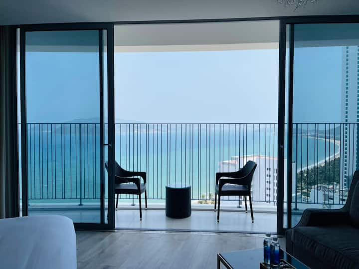 Panoramic Seaview Luxury Apartment