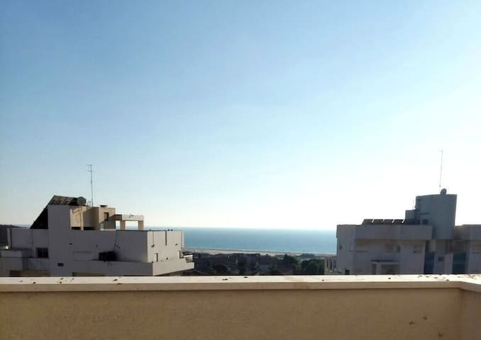 Mini PENTHOUSE - OCEAN views, walk to beach - Netanya - Condo