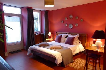 Chambre bois de rose 2 à 4 pers. - Bed & Breakfast