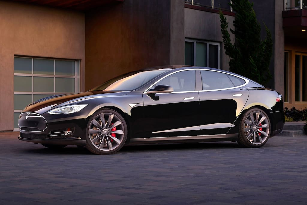 Tesla Model S comes with rental