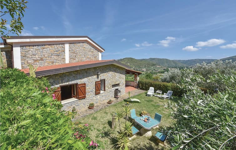 Holiday cottage with 3 bedrooms on 190 m² in Montecorice SA