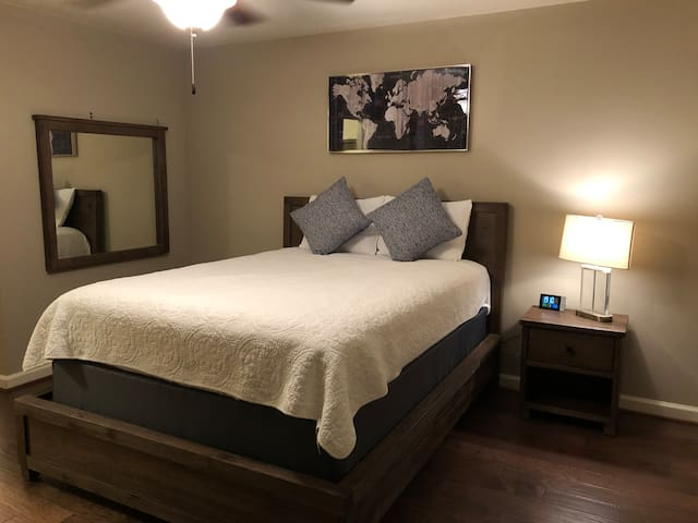Private Room/Bath w theater Gated Comm. NW Houston