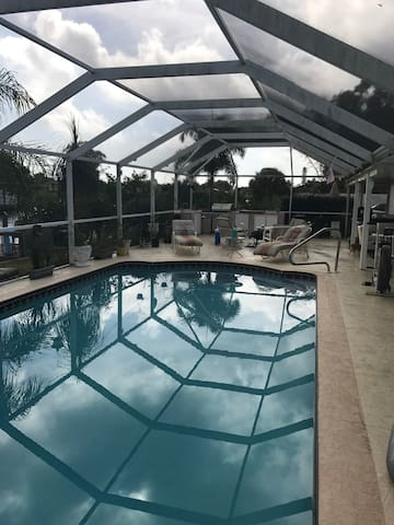 Beautiful Pool Home on the Water - Port Charlotte - House