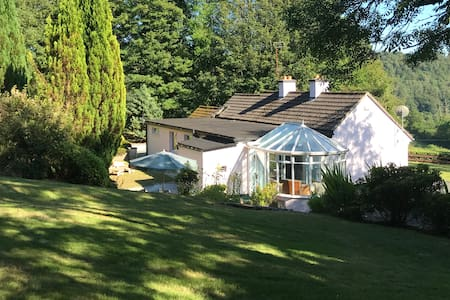 Romantic cottage in the Vale of Avoca