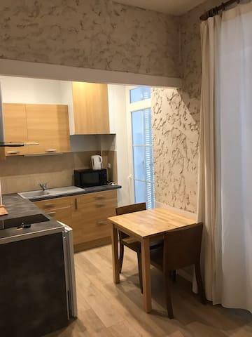 Le Mourillon, studio charme, 50m des plages - Toulon - Apartmen