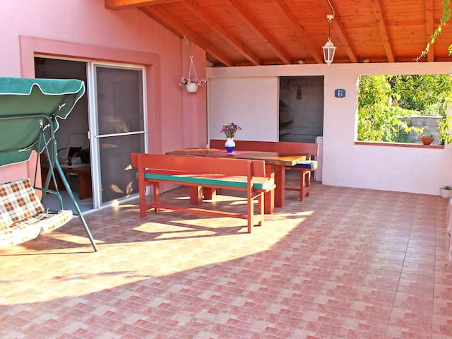 Holiday home Denis in Iž