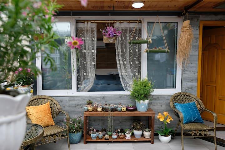 阆中古城入口处独立三层精致小楼&温馨花园&免费停车