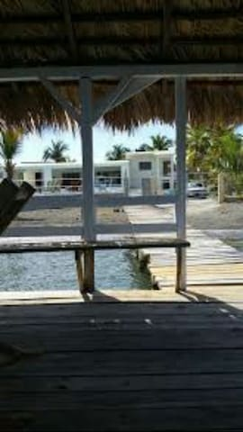 Hermosa casa con muelle - Palmar de Ocoa