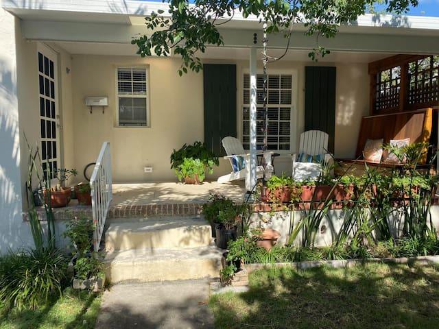 "Casa Artista ""Art Cottage"" Retreat"