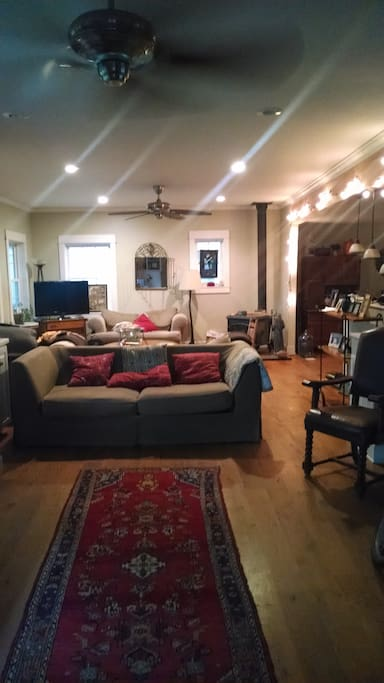 Spacious Living area that is connected to open kitchen