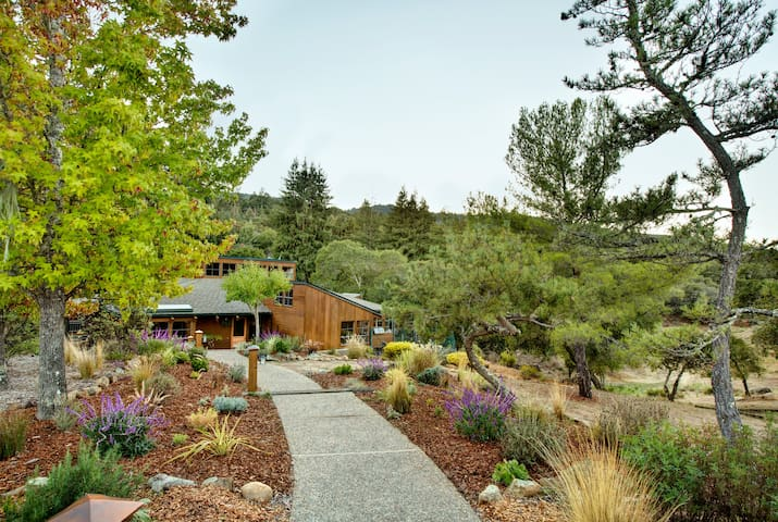 Mountain Retreat in Silicon Valley - Woodside - Dom